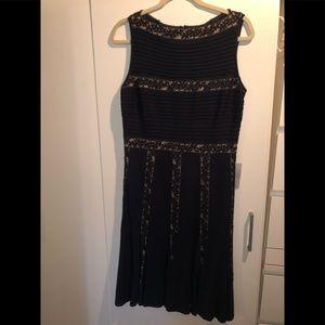 Tadashi Shoji Dress Size M